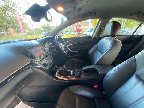 2014 Vauxhall Insignia 2.0 CDTi ecoFLEX Elite Nav (s/s) 5dr - Picture 19 of 34